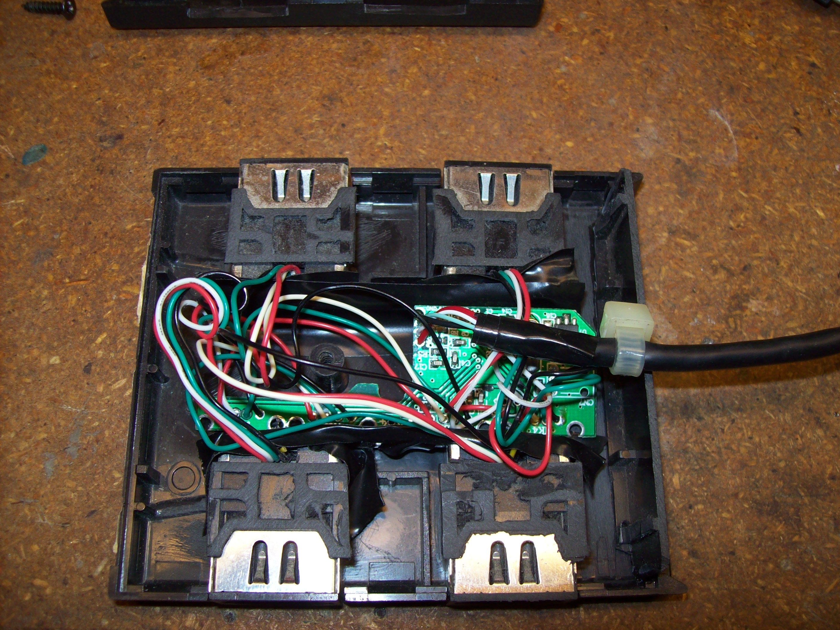 Xbox To Pc 4 Player Adapter Dufentech Wiring Your So I Wanted Play Some Mame Games On With Friends But Didnt Have Enough Usb Controllers For It Work Remembered There Was A Driver